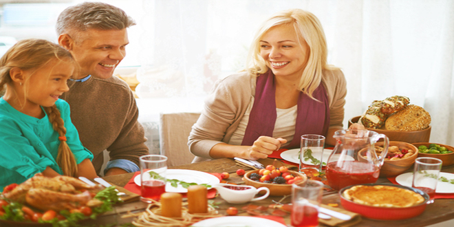 Gratitude at Thanksgiving: How a Non-Romantic Holiday Can Strengthen Your Relationship