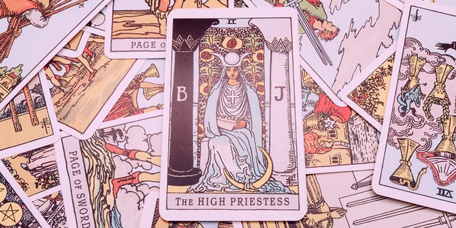 Unpacking the Tarot - The High Priestess