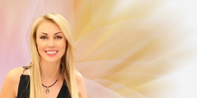 Psychic Elana Spotlight